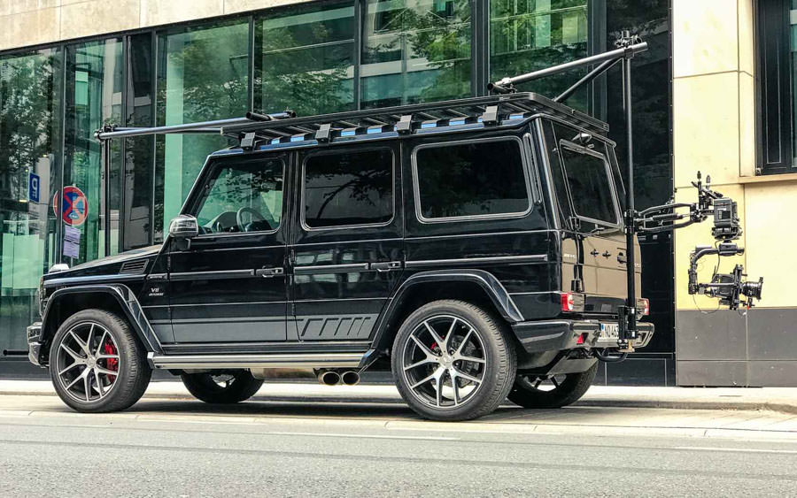 theblackrone GmbH Chase Car Chasecar Kamerafahrzeug Russian Arm Ultimate Arm Mercedes-Benz G63 AMG . Flowcine Blackarm . RED Helium 8K