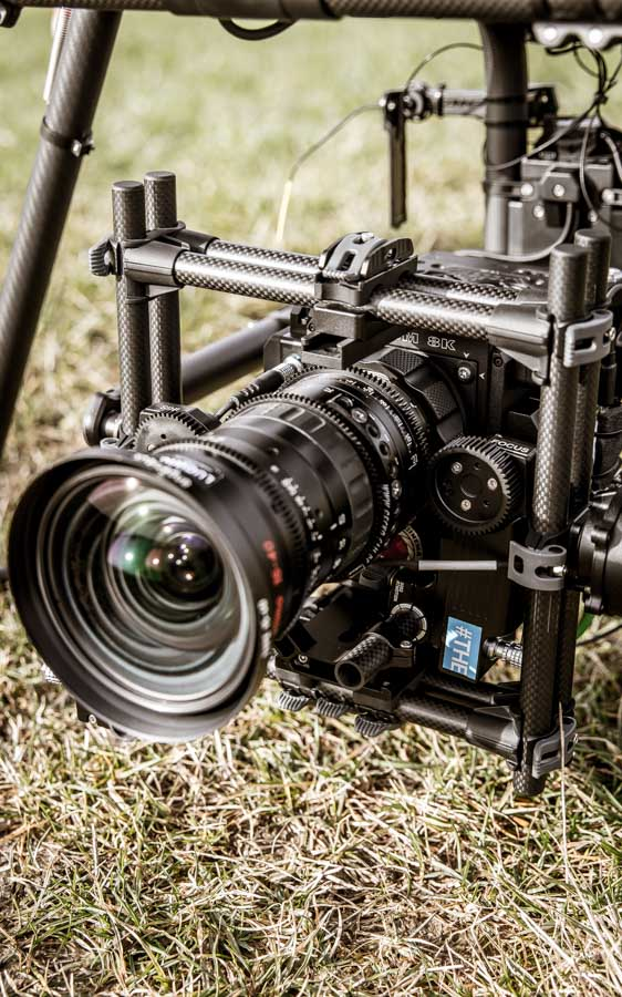 theblackdrone RAWcopter Oktokopter Drohne RED Helium 8K . Angenieux 15-40mm Optimo Zoom RTmotion FIZ control in Freefly Movi Pro